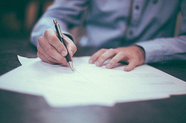 会社設立後に税務署への提出が求められる6種類の届出書類を解説
